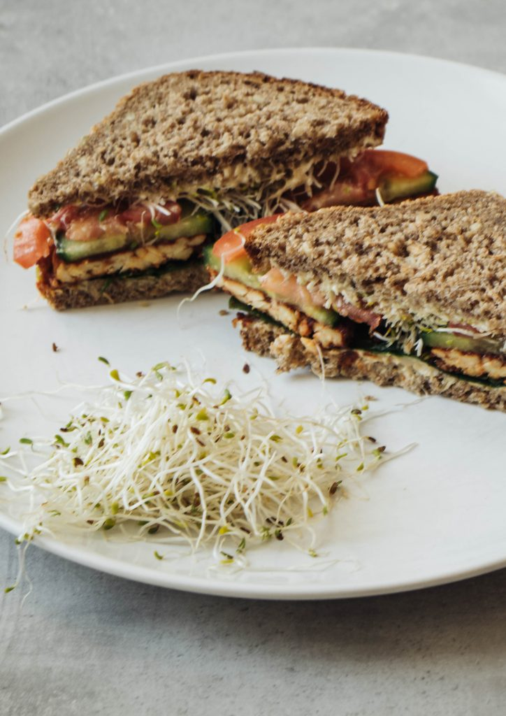 tempeh sandwich, Sandwich with tempeh, vegan recipe