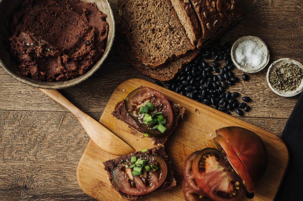 smoked black bean spread, vegan recipes, on bread, tasty meal ideas, vegan bread