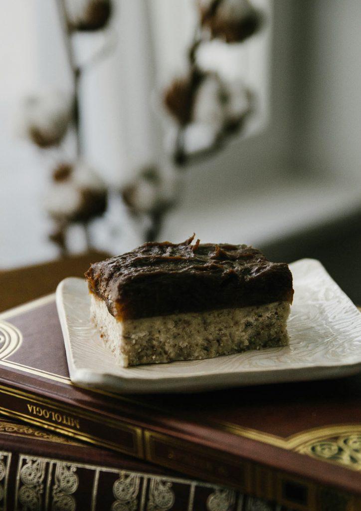 Caramel-coconut slices, vegan desserts, vegan dsserts recipes, caramel slices