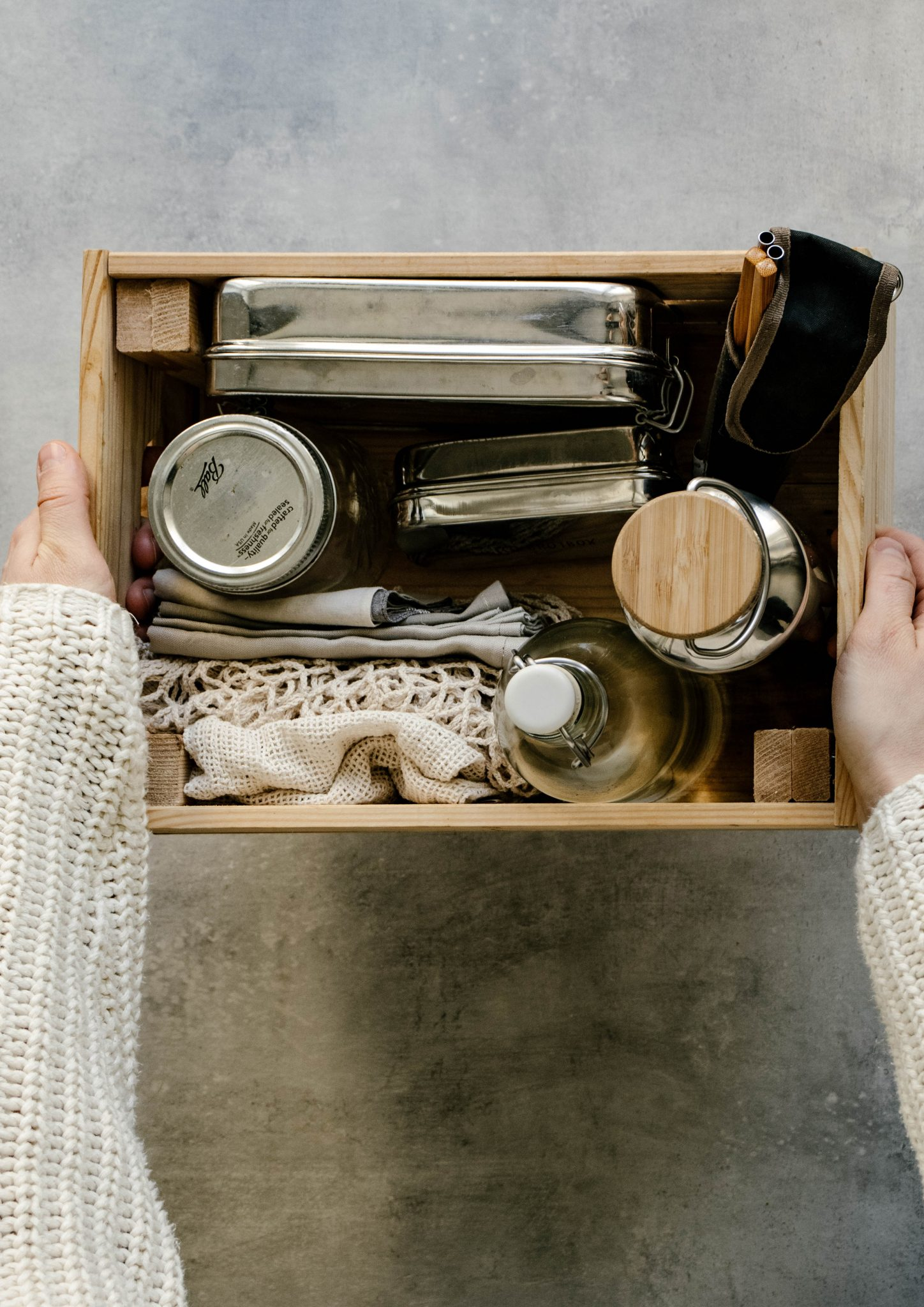 7 essentials for reducing waste on the go, zero-waste essentials, zero-waste tips for begginers, zero-waste tips, eco-friendly lifestyle