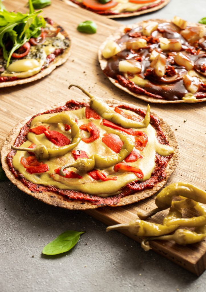 pepper pizza, easy pizza, tortilla pepper pizza, quick pizza, vegan pizza